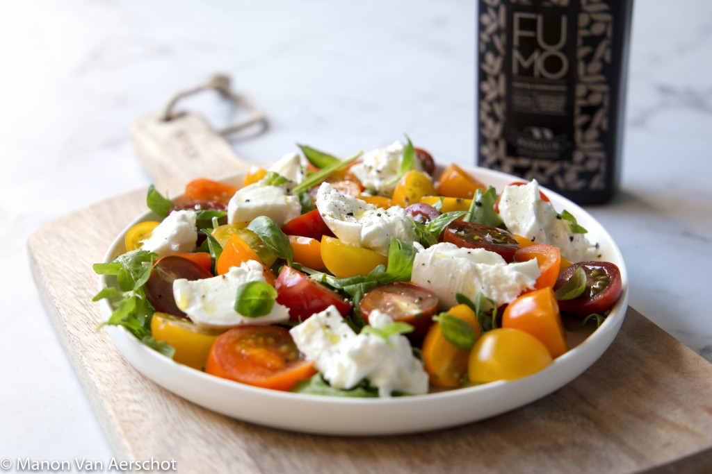 tomaten burrata salade